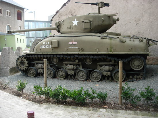 Diekirch, Luxemburg: us tank in courtyard