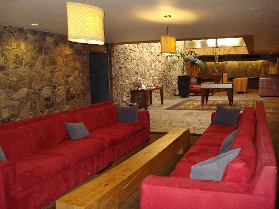 Fountaingrove Inn: Hotel Lobby