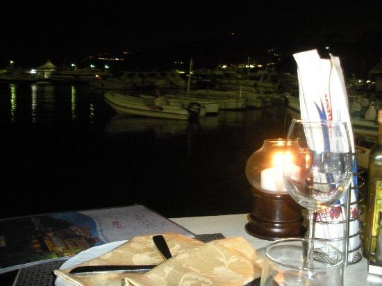 Ristorante Ruccio: Nighttime view of the marina from our table