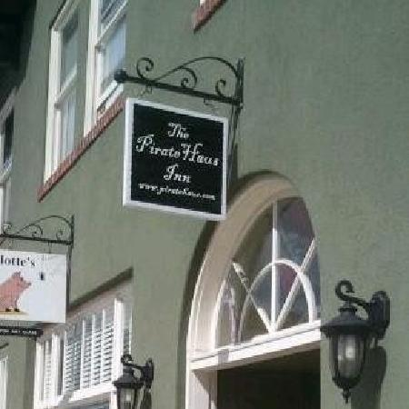 The Pirate Haus Inn: Front Entrance