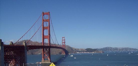 San Francisco Shuttle Tours: 747 Buzzing GG Bridge During Fleet Week