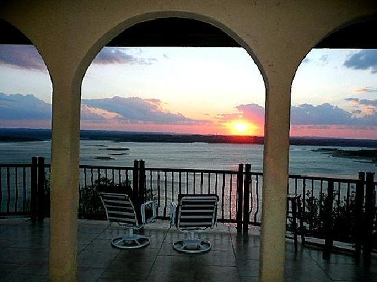 La Villa Vista: romantic escape, entertainment capital of texas, awesome