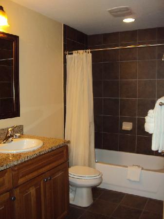 Wyndham Vacation Resorts Steamboat Springs: 2nd bath