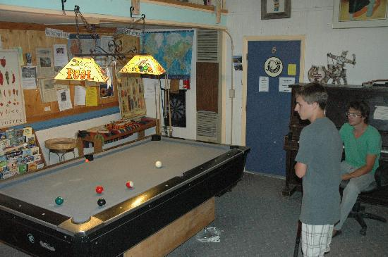 The SnowMansion Taos Hostel Ski Lodge Inn & Campground: Kids activities? Lots of board games as well
