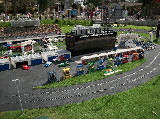 """Legoland Florida Resort: A Small Area of """"Mini Land, USA"""""""