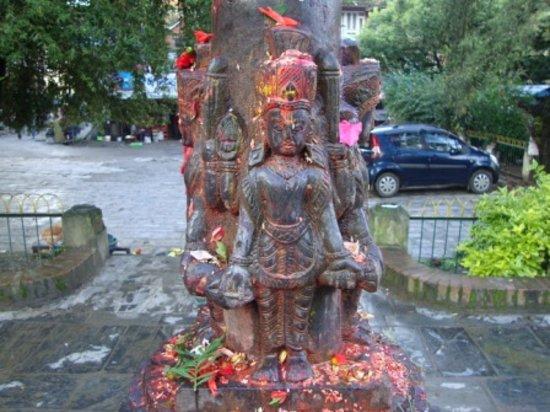 กาฐมาณฑุ, เนปาล: Entrance to the temple