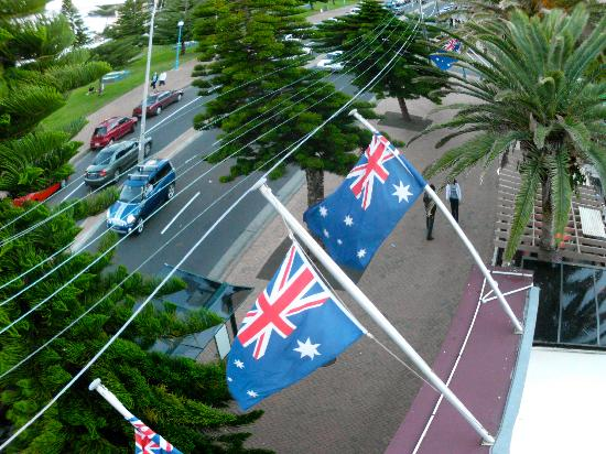 Coogee Bay Hotel: ..our land is girt by sea