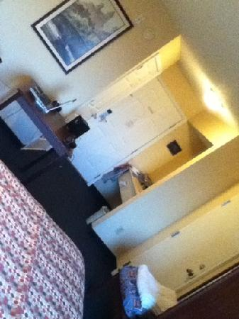 Baymont Inn & Suites Georgetown/Near Georgetown Marina : another angle of my room