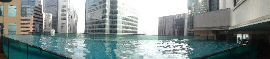 Ascott Raffles Place Singapore: pool