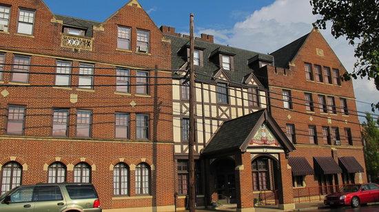 General Denver Hotel Pub