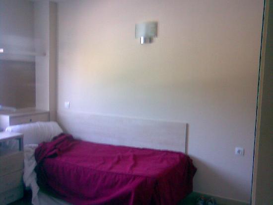 Residencia Universitaria Manuel Agud Querol: Una cama