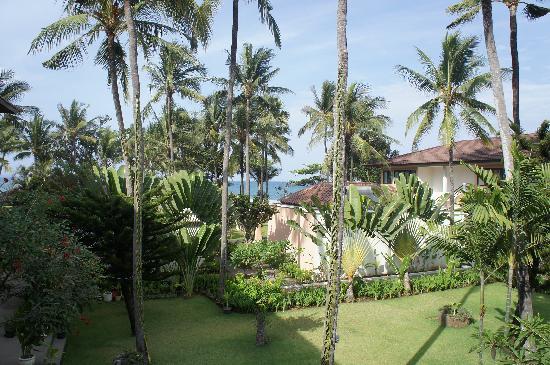 Legong Keraton Beach Hotel: Blick aus unserem Zimmer