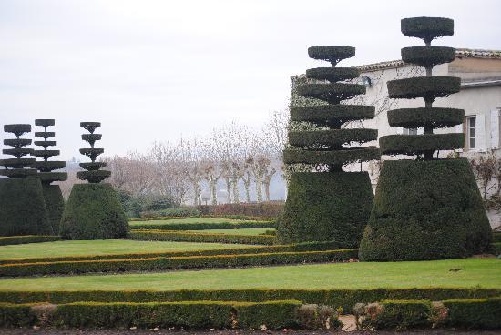 Chateau de Pizay: vue sur le jardin