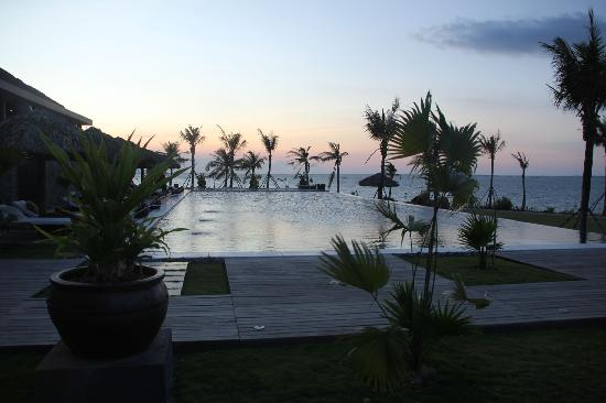 Vedana Lagoon Resort & Spa: Sunset View