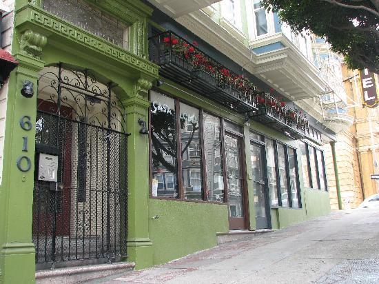 Casa Loma Hotel: Front