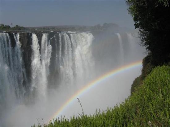 Mosi-oa-Tunya / Victoria Falls National Park: Rainbow over Victoria Falls