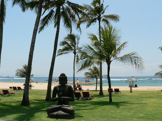 Club Med Bali: La plage vue du bar