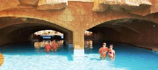 Rixos Sharm El Sheikh: Swim under the cave