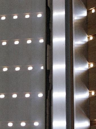 Hotel Il Faro : Stucco vetri mezzo caduto