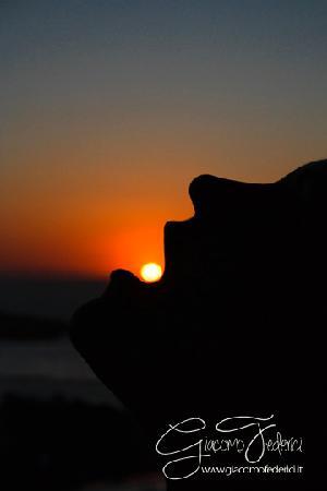 Rooms Mike: Foto a Giulia durante il tramonto che si vede dalla casa!
