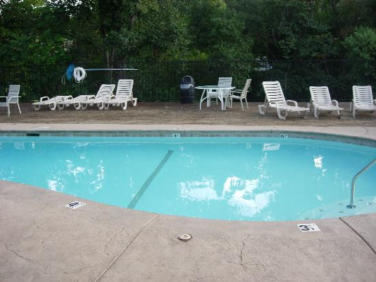 BEST WESTERN PLUS Yosemite Way Station Motel: piscine