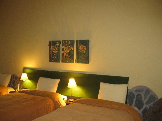 Villa Urubamba Sacred Valley: Room 13. Two windows and a beautiful view.