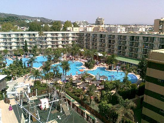 View from balcony picture of sol principe torremolinos for Piscina torremolinos