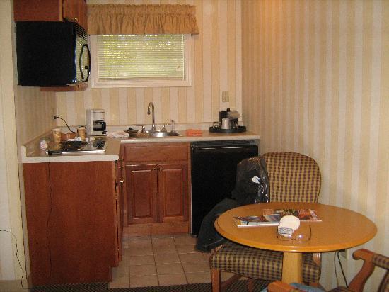 Port Inn Portsmouth: Petite cuisine de notre chambre