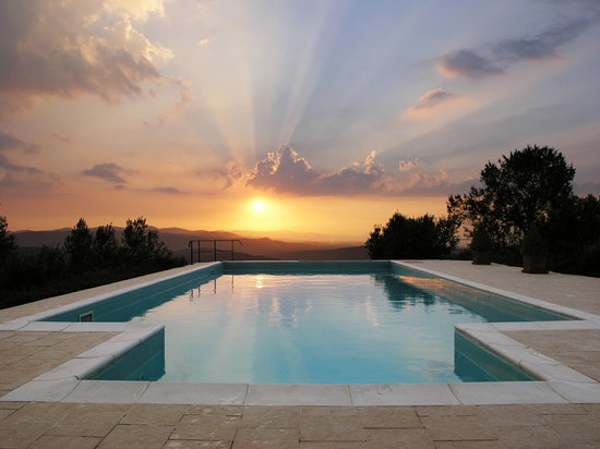 Casa del Tramonto: The pool at sunset