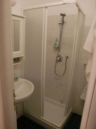 Hotel Por Santa Maria: Bathroom