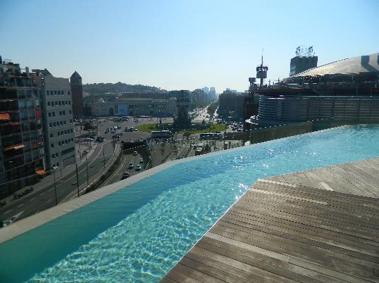 Awesome pool view picture of b hotel barcelona for Swimming pool show barcelona