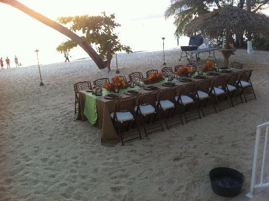 Caribbean Club: Dinner on the beach with Chef John