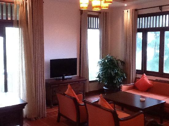 ปาล์มการ์เด้นรีสอร์ท: room 422 lounge area