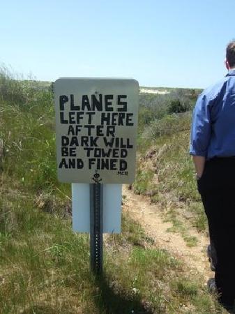 Katama Airfield : Beach parking