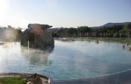 hotel adler thermae spa relax resort piscina termale la mattina
