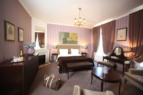 Champs Elysees Plaza Hotel: Suite Junior