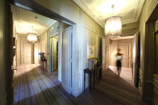 Champs Elysees Plaza Hotel: Hall