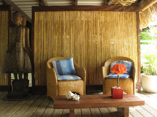 Bamboo Bali Bonaire - Boutique Resort: The chairs where we enjoyed our beers after a hard day of diving.