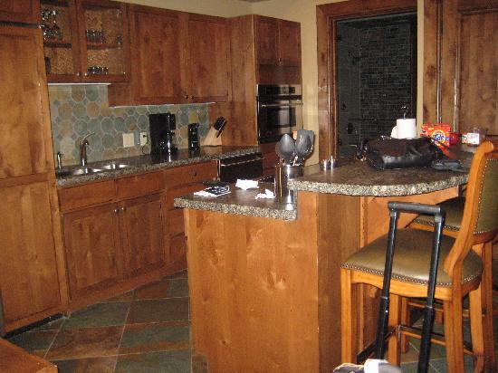 The Innsbruck : Great kitchen!