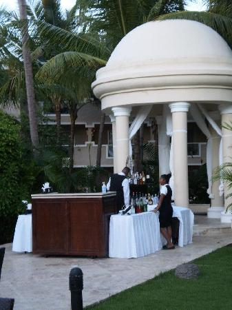 Dreams Palm Beach Punta Cana: Wedding gazebo bar
