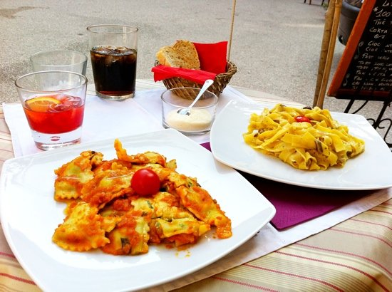 Paris Boheme Bistrot  Cucina Autentica: Best Vegetarian Pasta we had in Italy!