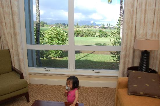 The Westin Princeville Ocean Resort Villas: Golf course view....tot didn't seem to care