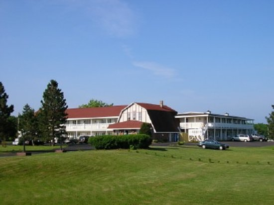 Canadas Best Value Inn and Suites: Exterior Property