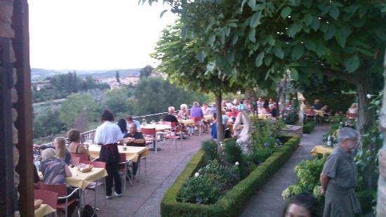 Terrazza Panoramica Picture Of Le Vecchie Mura San Gimignano Tripadvisor