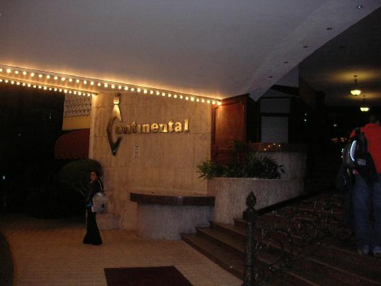 Continental Hotel & Casino: Entrada del hotel