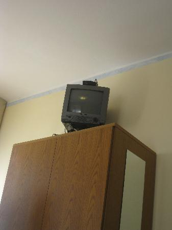 Hotel Vela Azzurra: HDTV in every room