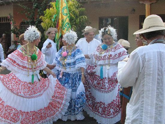Casita Margarita: Traditional dress