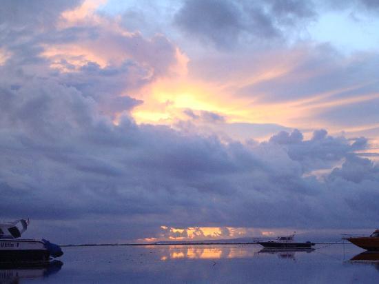 Stana Puri Gopa Hotel : Sanur Beach Sunrise