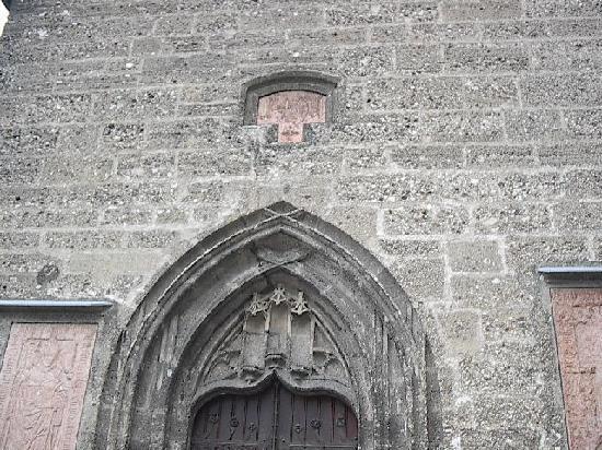 Margarethen Kapelle: tympanum
