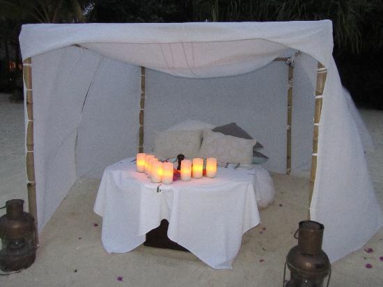 Pacific Resort Aitutaki: Your romantic dinner setting